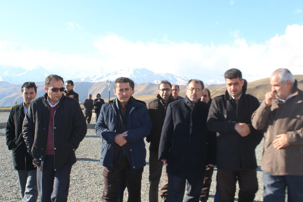 بازدید معاونت عمرانی استانداری آذربایجان غربی از پروژه های عمرانی شهرداری پیرانشهر
